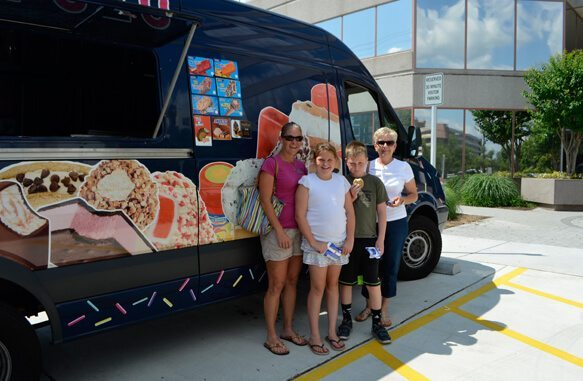 IceCreamTruck_Family